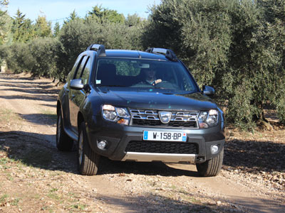 test drive dacia duster it 39 s worth the detour groupe renault. Black Bedroom Furniture Sets. Home Design Ideas
