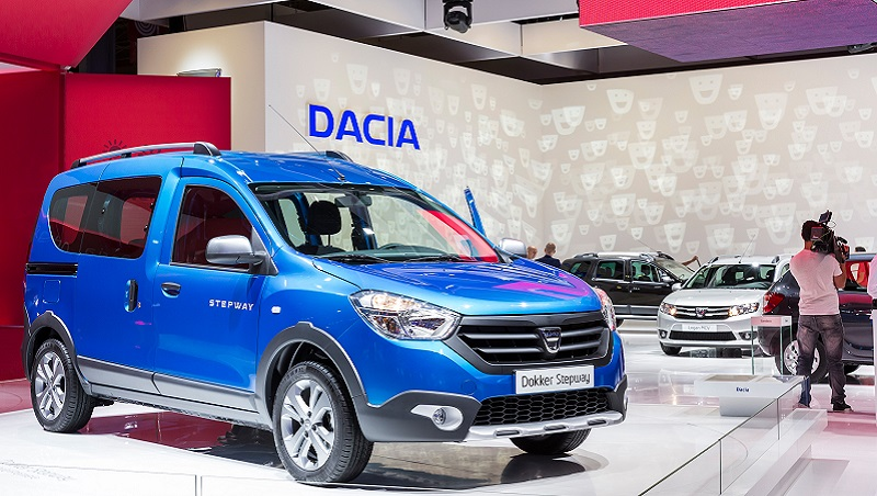dacia lodgy stepway dokker stepway sandero black touch and duster air on dacia stand. Black Bedroom Furniture Sets. Home Design Ideas