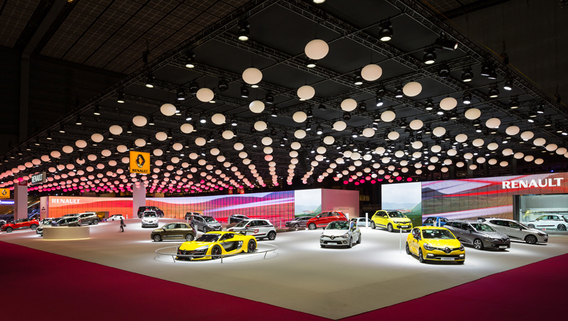 Paris Motor Show Try Our Virtual Tour Of The Renault And