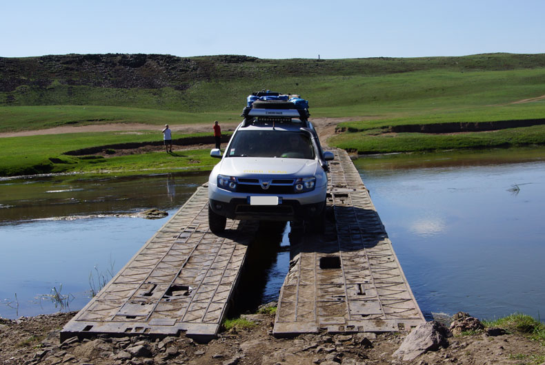 From the French coast to the Steppes of Mongolia: Dacia Duster goes on trial!
