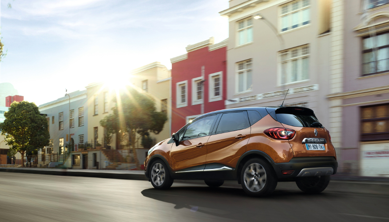 2017-Crossovers utility Captur-background