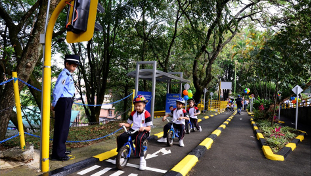 Groupe Renault - Renault Colombia Road Safety - CSR