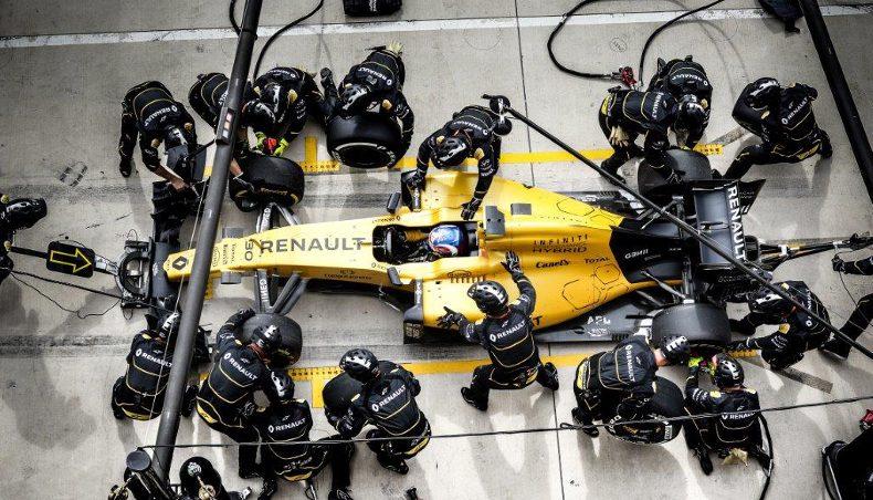 2017 - Renault Sport Formula One - pit stop