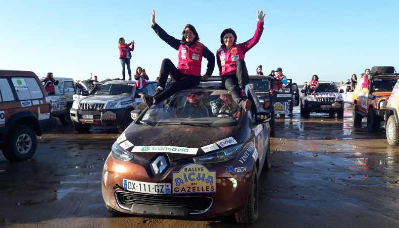 The Rallye des Gazelles driving a ZOE… They did it!