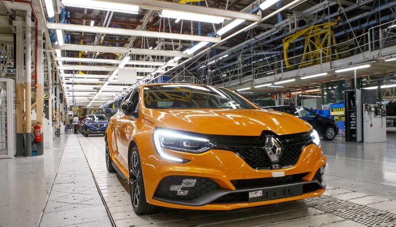 Groupe Renault - Megane R.S. de face - Usine Palencia
