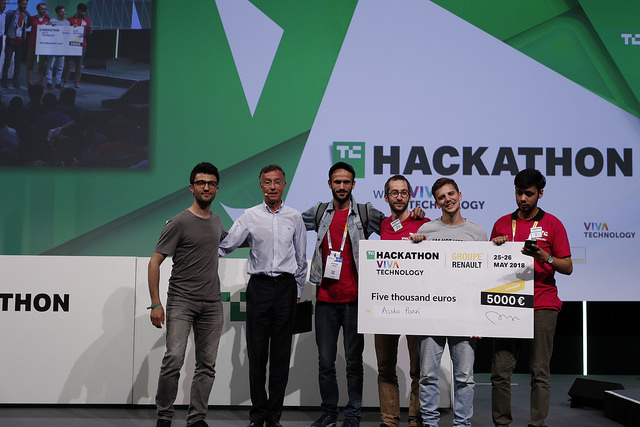 "The winning ""AutoPark"" team with Philippe Clogenson – DR TECHCRUNCH"