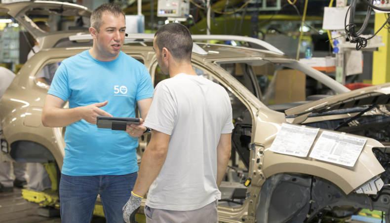 Gabriel Tanasie, chef d'unité élémentaire de travail à l'usine de Pitesti (Roumanie) depuis un plus d'un an et connecté