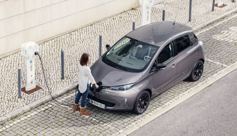 Renault ZOE - charging battery - Static