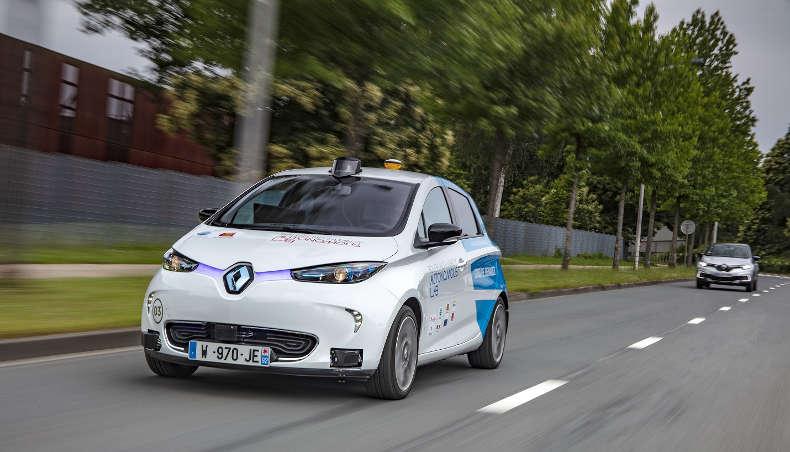 Renault ZOE Rouen Autonomous Lab en situation en ville