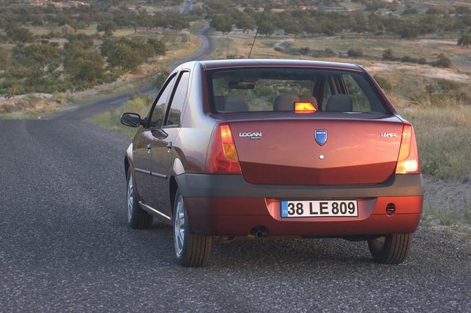 Dacia Logan - Vue arrière en situation
