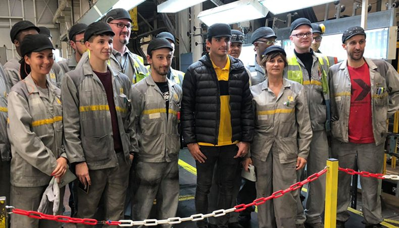 Carlos Sainz meets employees in Aubevoye and Sandouville