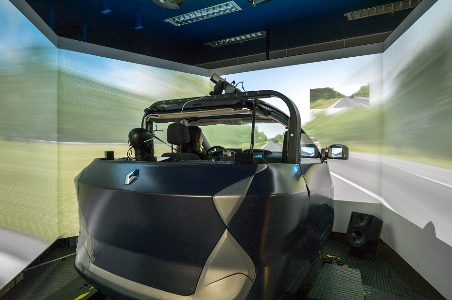 renault-technocentre-simulateur