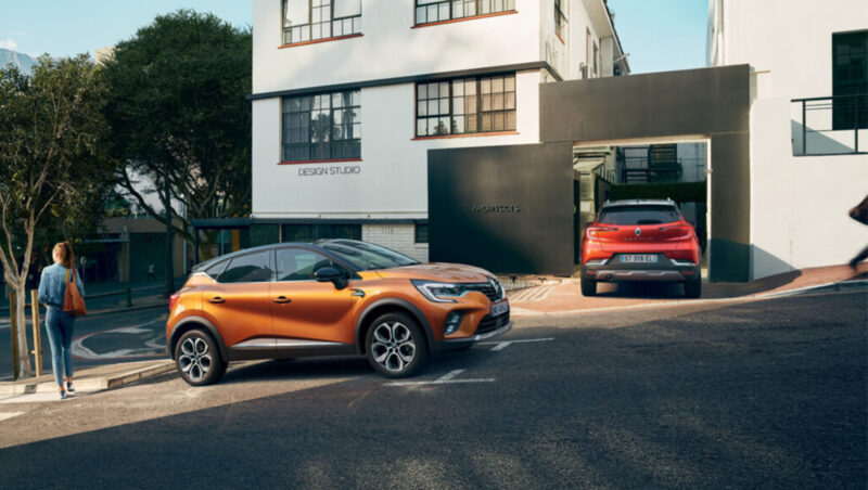 All-NEW RENAULT CAPTUR WITH FRONT AND REAR C-SHAPE LIGHTS
