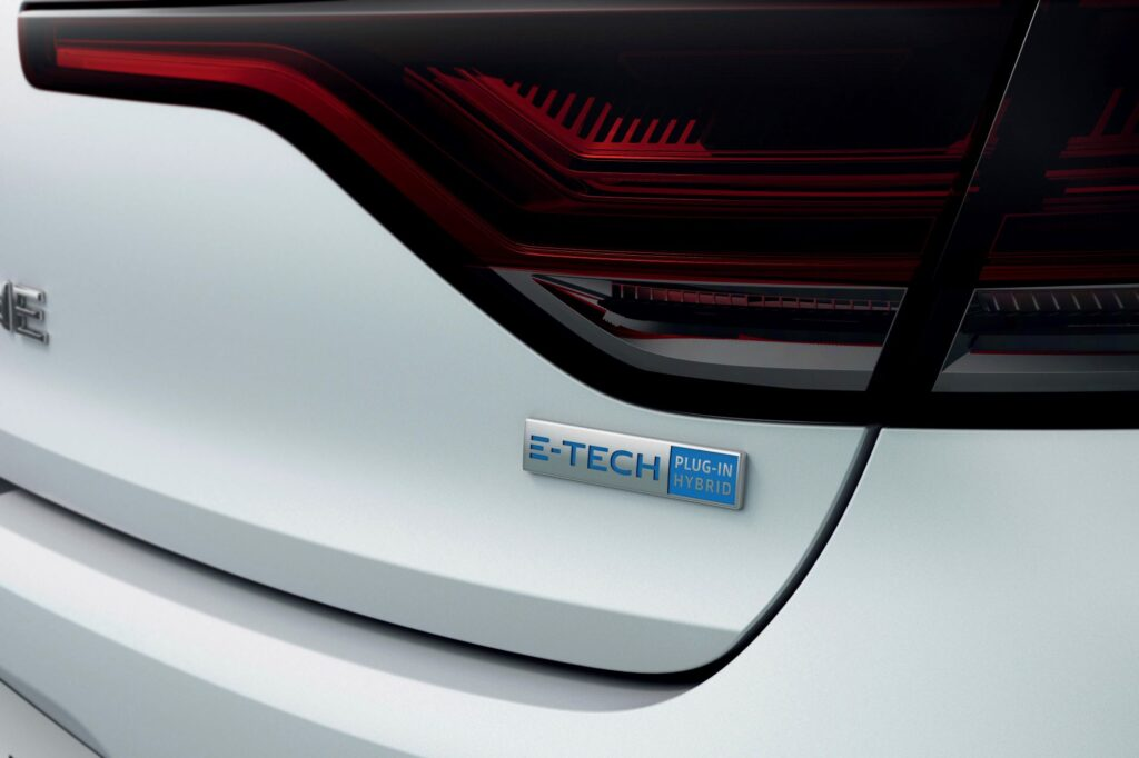 RENAULT MEGANE IV ESTATE E-TECH PLUG-IN - BADGE E-TECH