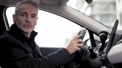 TEST DRIVING THE RENAULT CAPTUR E-TECH PLUG-IN HYBRID WITH RENAULT SPORT DRIVER LAURENT HURGON