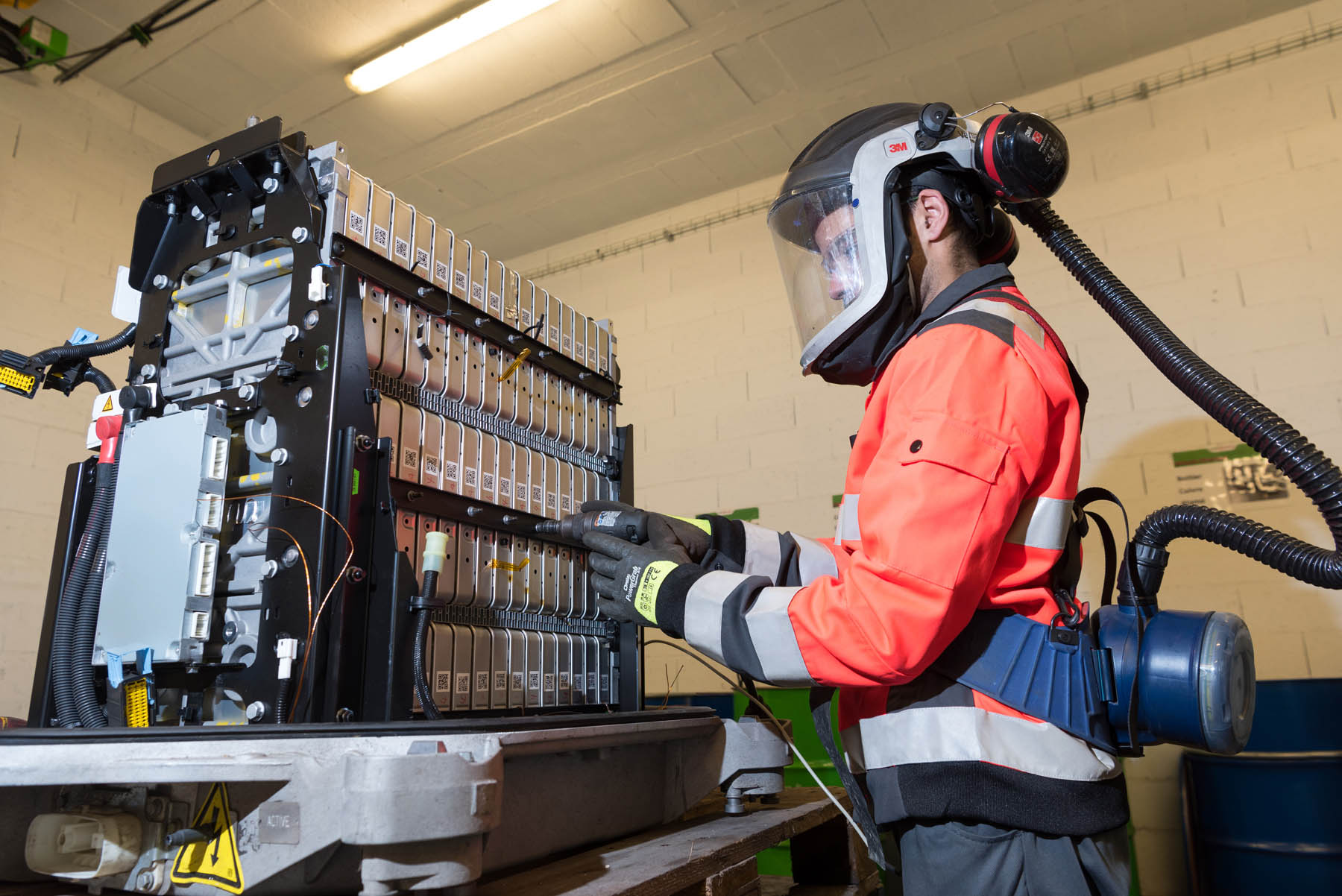Groupe Renault, Veolia and Solvay: today's batteries will be tomorrow's