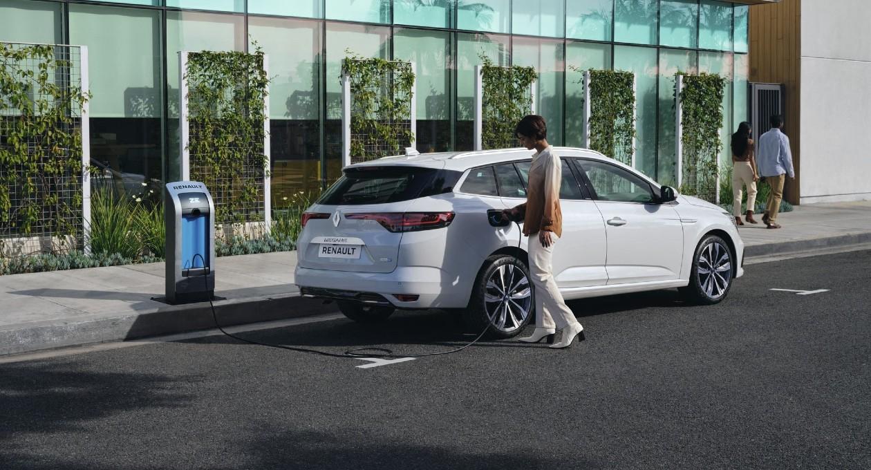 Tout savoir sur la voiture hybride rechargeable