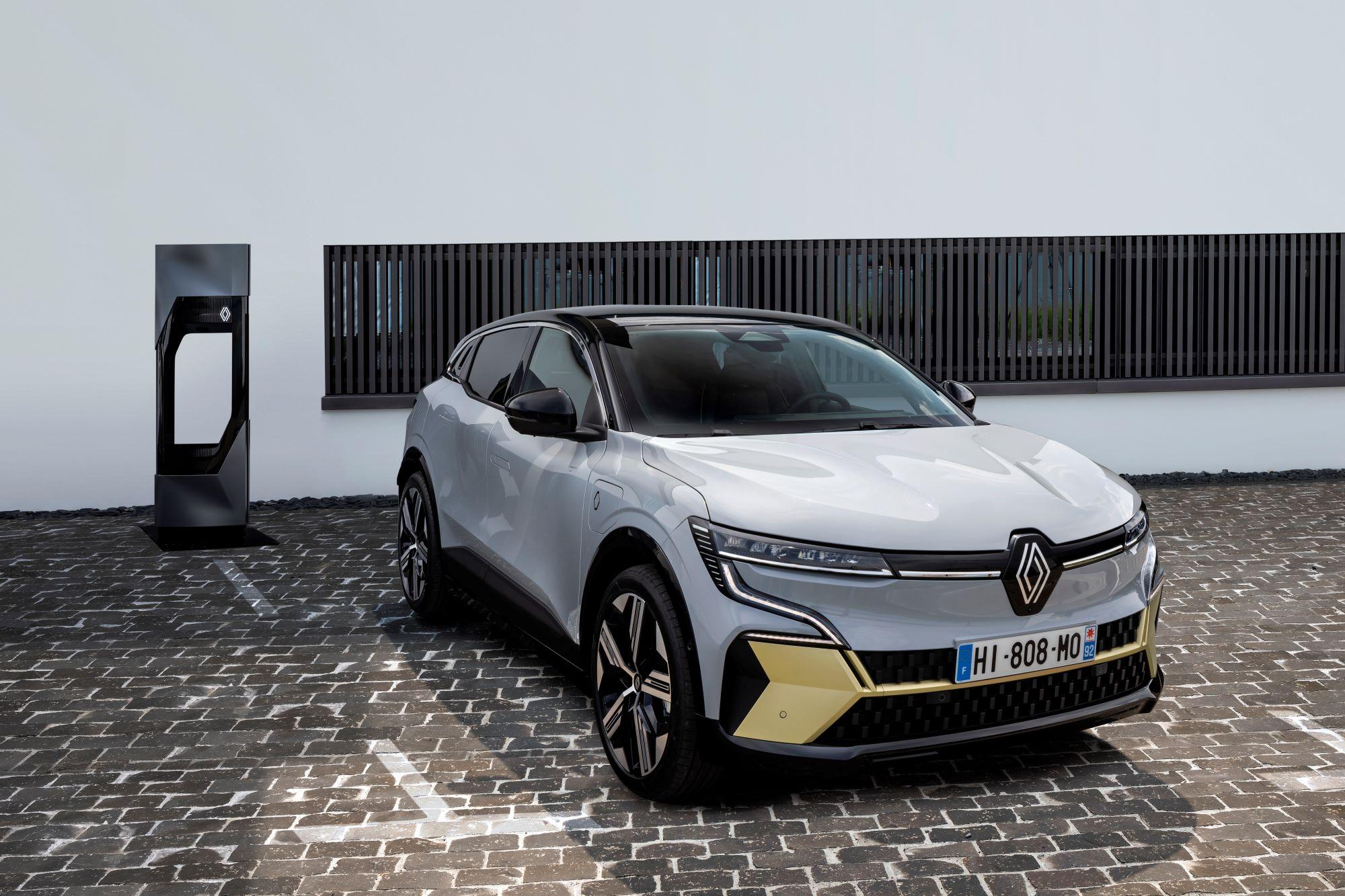 Renault - un coup d'accélérateur pour se garer