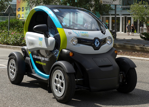 twizy way by renault the all electric car sharing service launches in saint quentin groupe. Black Bedroom Furniture Sets. Home Design Ideas