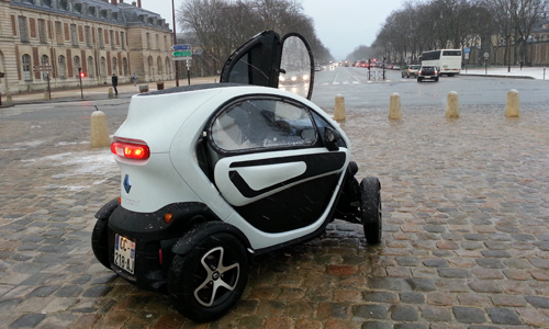 test drive taking twizy on a winter wander groupe renault. Black Bedroom Furniture Sets. Home Design Ideas