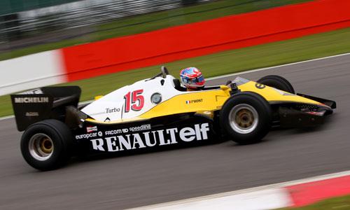 Romain Grosjean au volant de la Renault RE40 de Prost de 1983