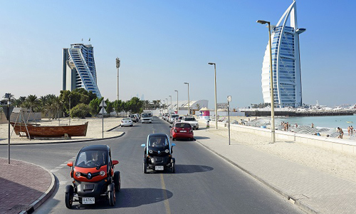 Twizy dans les rues de Dubai
